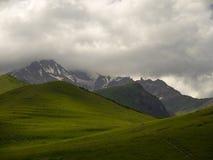 Śnieg osiąga szczyt Kaukaz Obraz Royalty Free