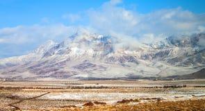 Śnieg zakrywać góry w środkowym Iran obrazy stock