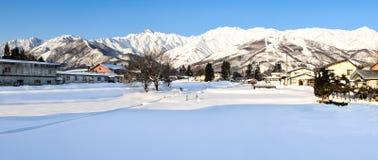 Śnieg zakrywał wysokogórskiego krajobraz Japonia podczas zimy fotografia stock