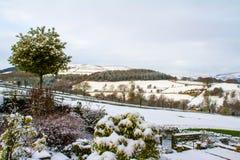 Śnieg zakrywająca Derbyshire wieś Obraz Royalty Free