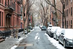 Śnieg zakrywająca Taczkowa ulica w Miasto Nowy Jork obraz stock