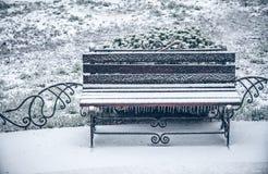 Śnieg zimy ławka Fotografia Royalty Free