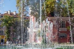 Śpiewacka fontanna blisko Varna ` s opery, Bułgaria obrazy royalty free