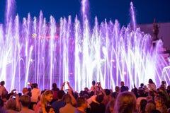 Śpiewackie fontanny na majdanu Nezalezhnosti niezależności S dalej Obrazy Stock