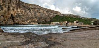 Śródlądowy morze przy Dwejra zdjęcia royalty free