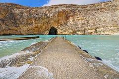 Śródlądowy morze przy Dwejra, Gozo, Malta, szeroki kąt Zdjęcie Royalty Free