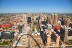 Śródmieścia St Louis, MO z Starym gmachem sądu Zdjęcia Stock
