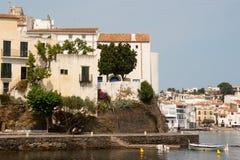 Śródziemnomorska architektura Cadaques Catalonia obrazy royalty free