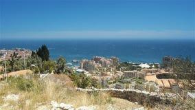 Śródziemnomorska linia brzegowa przy Monaco, Cote D'Azur Francja zdjęcie wideo