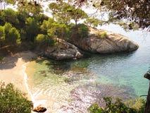 Śródziemnomorska plaża Zdjęcia Royalty Free