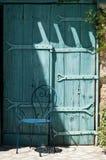 Śródziemnomorski błękitny drzwi zdjęcie royalty free