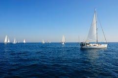 śródziemnomorskiego żeglowania denny jacht obrazy stock