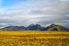 Średniogórza Iceland pojęcie Haukadalur dolina w Iceland Piękny krajobraz w dolinie Pokojowy natury środowisko fotografia stock