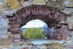 Średniowieczna forteca ściana z okno Fotografia Royalty Free