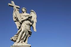 Średniowieczna postać anioł na sławnym bridżowym świętego Angelo moscie, Rzym, Włochy fotografia royalty free