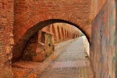 Średniowieczna ulica w średniowiecznym miasteczku Zdjęcie Stock