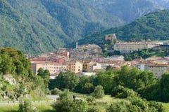 Średniowieczna wioska między górami Zdjęcie Stock