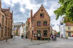 Średniowieczne ulicy stary Bruges, Belgia zdjęcia royalty free