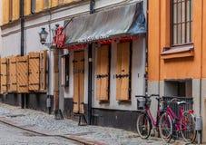 Średniowieczni alleyways i brukować ulicy stary miasteczko, Gamla Stan Obraz Stock