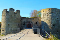 Średniowieczny forteca, wejście i góruje. Fotografia Royalty Free