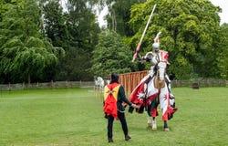 Średniowieczny koń w, rycerz i Obrazy Royalty Free