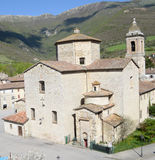 Średniowieczny kościół w Cantiano, Włochy - Zdjęcia Stock