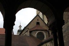 Średniowieczny monaster inside obraz royalty free