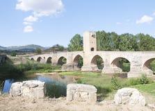 średniowieczny most obrazy stock