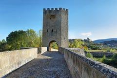 Średniowieczny most nad Ebro rzeką w Frias, Burgos, Hiszpania obraz royalty free