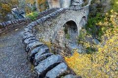 Średniowieczny most w jarze Anisclo zdjęcia royalty free