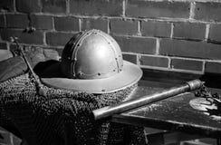 Średniowieczny opancerzenie i broń w Muiderslot kasztelu holland Zdjęcie Stock