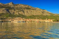 Średniowieczny pejzaż miejski i schronienie, Makarska, Chorwacja, Europa Obrazy Royalty Free