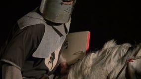 Średniowieczny rycerz ono potyka się zbiory