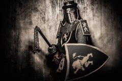 Średniowieczny rycerz w pełnej zbroi Fotografia Stock