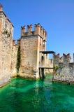 Wejście Castello Scaligero, Włochy Fotografia Stock