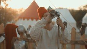Średniowiecznych rzemieślników połysk żelazny kordzik wysoka glosa dla rycerza zbiory