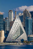Środek miasta linia horyzontu Manhattan, Nowy Jork pokazuje PRZEZ 57 Zachodniego przy 625 Zachodnim 57th St w piekło Kuchennym os Fotografia Royalty Free