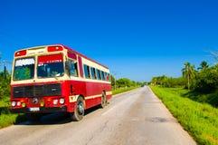 ŚRODKOWA droga KUBA, WRZESIEŃ, - 06, 2015: zadziwiać Zdjęcie Stock
