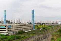 Środkowy placu zakupy i poręcze Tamanduatei dworzec, Sao Paulo, Brazylia obraz stock
