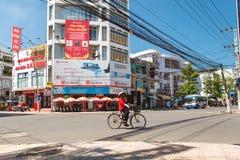 Środkowy skrzyżowanie ulicy w Nha Trang Zdjęcia Stock
