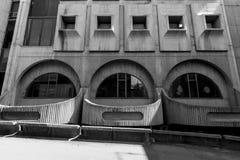 Środkowy urzędu pocztowego budynek projektujący w brutalist stylu Zdjęcie Stock