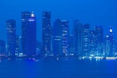 Środkowy Wschód, Katar, Doha, Zachodni Podpalany Środkowy Pieniężny okręg od wschód zatoki okręgu Zdjęcie Stock