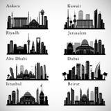 Środkowy Wschód miast linie horyzontu ustawiać Środkowe wschodnie punktu zwrotnego wektoru sylwetki Zdjęcia Royalty Free