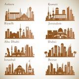 Środkowy Wschód miast linie horyzontu ustawiać Środkowe wschodnie punktu zwrotnego wektoru sylwetki Zdjęcie Royalty Free