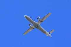 Śrubowa pasażerskiego samolotu ATR ATR-72-212A ogonu liczba VQ-BLE w f Obraz Stock