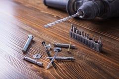 Śruby, rygle i narzędzie, Zdjęcia Stock