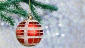 Świąteczna czerwona dekoraci zabawki piłka Obraz Royalty Free