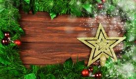 Świąteczna złoto gwiazdy dekoracja na choince Fotografia Stock