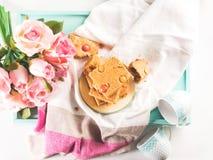 Świąteczny śniadanie kwitnie maseł orzechowych bownies Odgórny widok Zdjęcie Stock