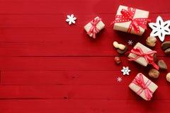Świąteczny czerwony kartki bożonarodzeniowa tło, granica i Obraz Stock